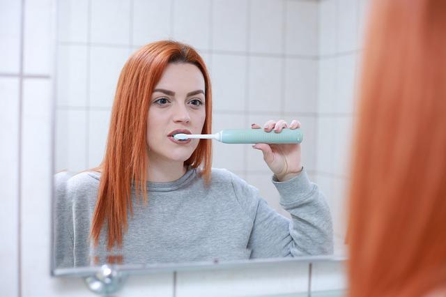 Spazzolino da denti a ultrasuoni